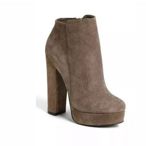 CHINESE LAUNDRY Elise Bootie Shoes Gray Suede Ankl